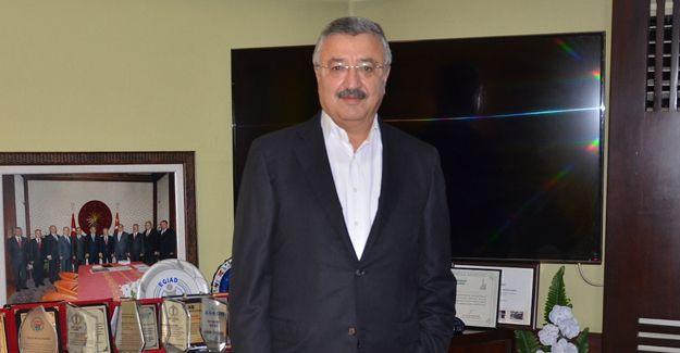 'İzmir'de kentsel dönüşüm bir an önce başlamalı!'
