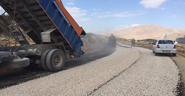 Antalya Çobanisa ile Gümüşyaka yollarına asfalt seriliyor!