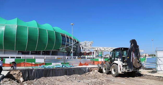 'Stadyum zemininde göçme söz konusu değil'!
