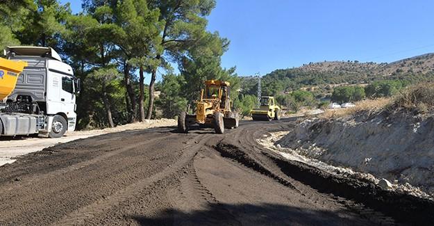 İzbeton, İzmir'in 8 ilçesinde asfalt çalışması yapıyor!
