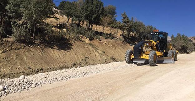 Antalya Kumluca Dereköy yolunda asfalt çalışması yapılıyor!