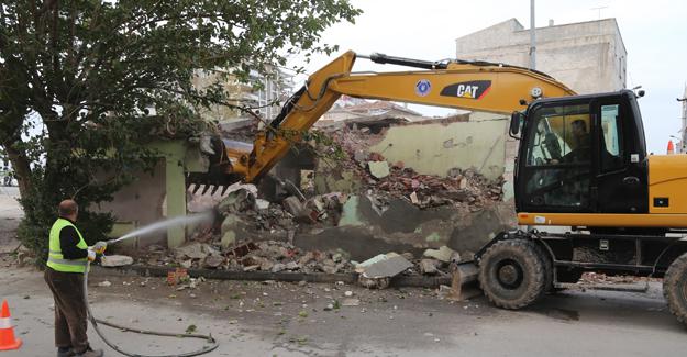 Bursa Köklü Cadde'de bina yıkımlarına devam ediliyor!