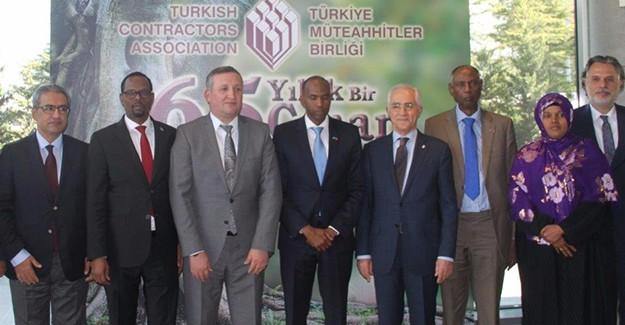 """Somali Başbakanı: """"Türk müteahhitlere her türlü desteğe hazırız""""!"""