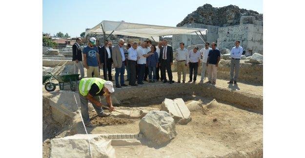 2 bin yıllık Roma tiyatrosu yenileniyor!