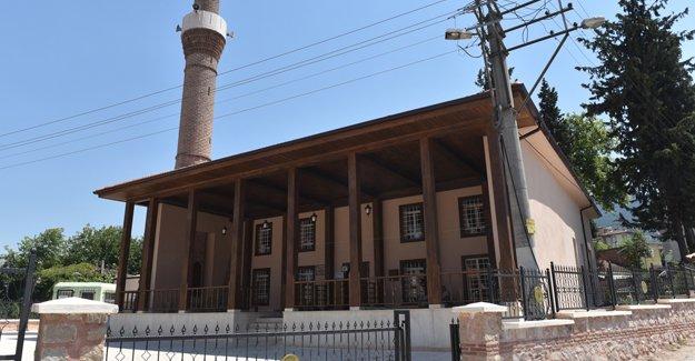 Bursa'da 600 yıllık cami restore edildi!