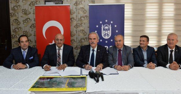 Bursa Terminal-Kent meydanı raylı sistemi imzalandı