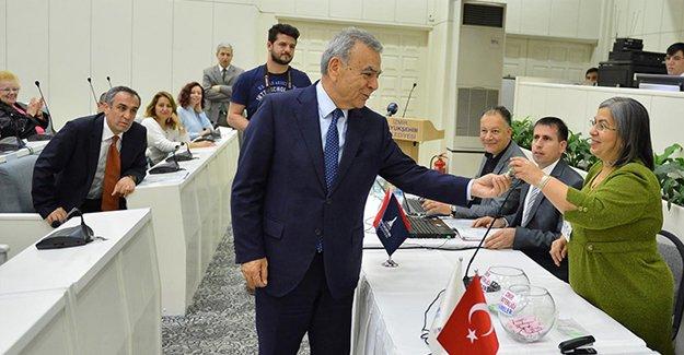İzmir Uzundere kentsel dönüşümde ilk kura heyecanı!