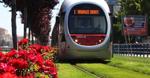 İzmir Yolu'na hafif raylı sistem geliyor!