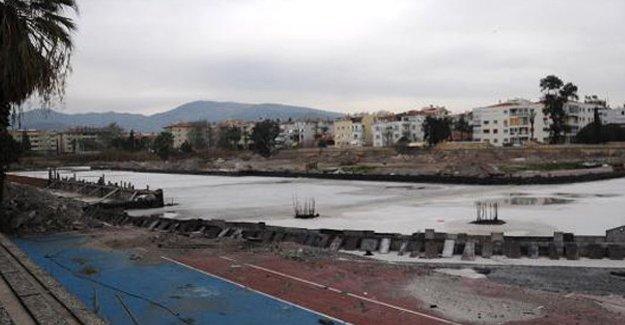 Karşıyaka stadı yapımı durduruldu!