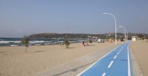 Büyükşehir Eşkel sahillerini temizliyor!