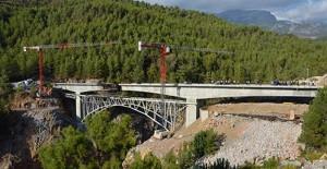 Alanya Ak Köprü'nün yapımında sona yaklaşıldı!
