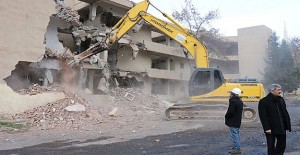 Şanlıurfa 300 konutların yıkımına başlanıldı!