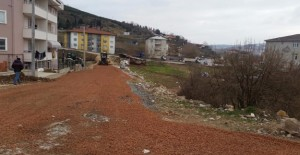 İzmit Belediyesi yol çalışmalarına devam ediyor!