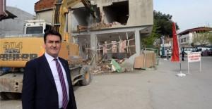 Osmangazi Belediyesi Küçükbalıklı Mahallesi'nin binalarını yıkıyor!