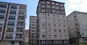 Rize'de yıkılıp inşaatı tamamlanan ilk riskli bina teslim edildi!