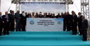 TOKİ Kayseri Melikgazi'de esnaflar için 840 konutun temelini attı!