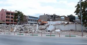 Gölcük Denizevler'de kamulaştırılan binaların yıkımları hızlandı!