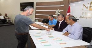 Niğde Belediyesi Efendibey'de 48 adet iş yerinin kurasını çekti!