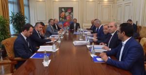 Başkan Özhaseki, devam eden kentsel dönüşüm çalışmalarını değerlendirdi!