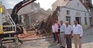 Gemlik Umurbey'de yıkım çalışmaları başladı!