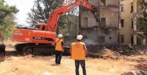 Şanlıurfa Refahiye'de 300 konutların yıkımı başladı!