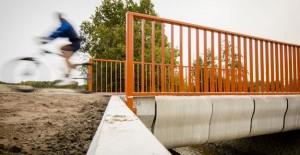 Dünyanın ilk 3D köprüsü Hollanda'da hizmete açıldı!
