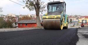 Arnavutköy Taşoluk Mahallesinde asfalt ve kaldırımlar yenileniyor!