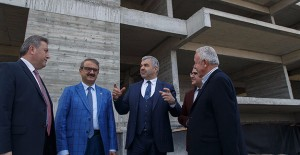 Başkan Çelik, Hacılar'daki kentsel dönüşüm alanını inceledi!