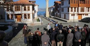 Gölcük Belediye Başkanı Ellibeş, ilçedeki projeleri vatandaşlara tanıttı!
