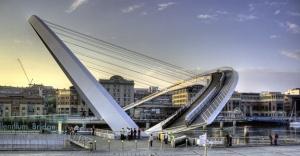 Mühendislik harikası Milenyum Köprüsü!
