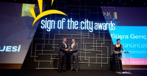 Sign of the City Awards'da parlayan yıldız  Soyak oldu!