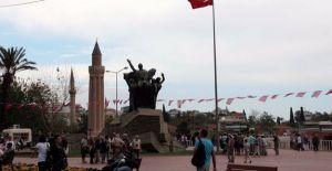 Antalya Cumhuriyet Meydanı bin 680 metrekare genişletilecek!