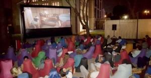 Mahall Bomonti İzmir'de açık hava sineması keyfi!
