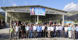 Antalya Döşemealtı'nda meydan ve pazaryeri açıldı