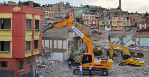 Mersin Akdeniz'de kentsel dönüşüm devam ediyor!