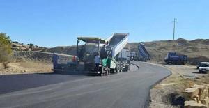 Antalya Büyükköy Mahallesi'nde asfalt çalışmaları sürüyor!