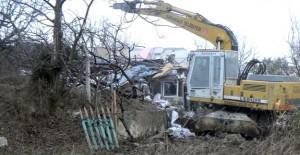 Osmangazi Ahmetbey'de 2 katlı kaçak bina yıkıldı!
