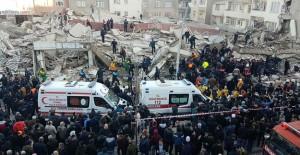Zeytinburnu Belediyesi'nden yıkılan bina ile ilgili açıklama!
