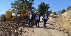 Antalya Kemer Beycik Mahallesi'nin yolları yenileniyor!