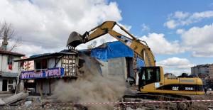 Ankara İsmetpaşa'da 11 metruk bina daha yıkıldı!