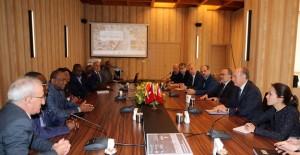 Başkan Topbaş, 'Metro ağlarını yapan dünyada tek belediyeyiz'!