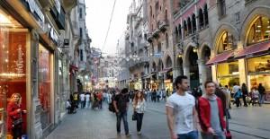 Beyoğlu İstiklal Caddesi'nde riskli binalar yenileniyor!