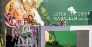 """Eston Şehir Mahallem'de Annelere özel """"Senede 1 Gün"""" fırsatı 23 aileyi mutlu etti!"""