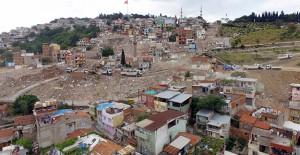 İzmir Kadifekale'de kamulaştırılan 180 binanın yıkımı tamamlandı!