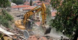 Ankara Çankaya'da gecekondular yıkılmaya devam ediyor!