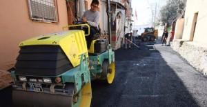 İzmir Bayraklı'da yollar yenileniyor!