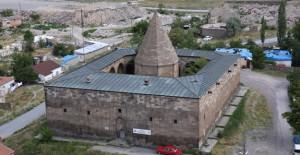 Melikgazi Belediyesi tarihi eserlere sahip çıkıyor!