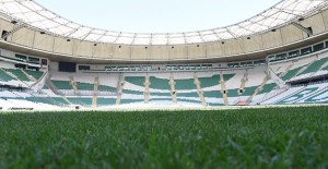 Bursa Büyükşehir Stadyumu'nda zemin kaplama çalışmaları bitiyor!