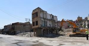 Gaziantep Şahinbey eski garajdaki köhne yapılar yıkılıyor!