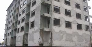 İzmit'te ağır hasarlı 20 bina yıkılmayı bekliyor!